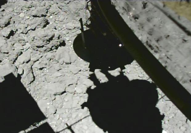「はやぶさ2」タッチダウン運用1 CAM-Hによる画像2(2019/2/22)