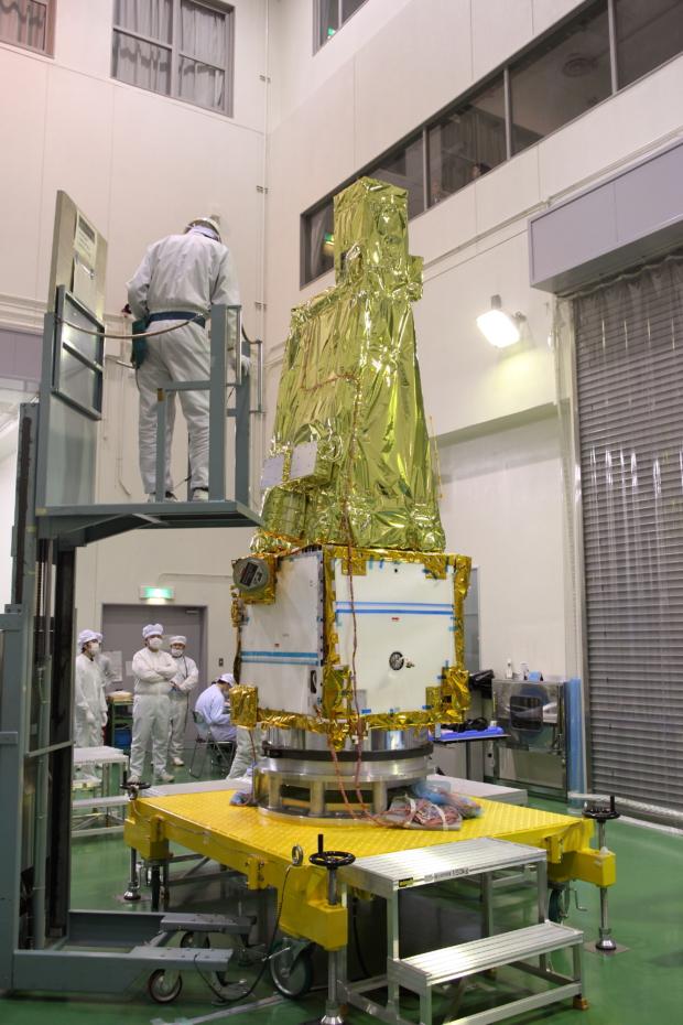 惑星分光観測衛星「SPRINT-A」真空試験の様子(2)