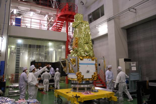 惑星分光観測衛星「SPRINT-A」真空試験の様子(5)