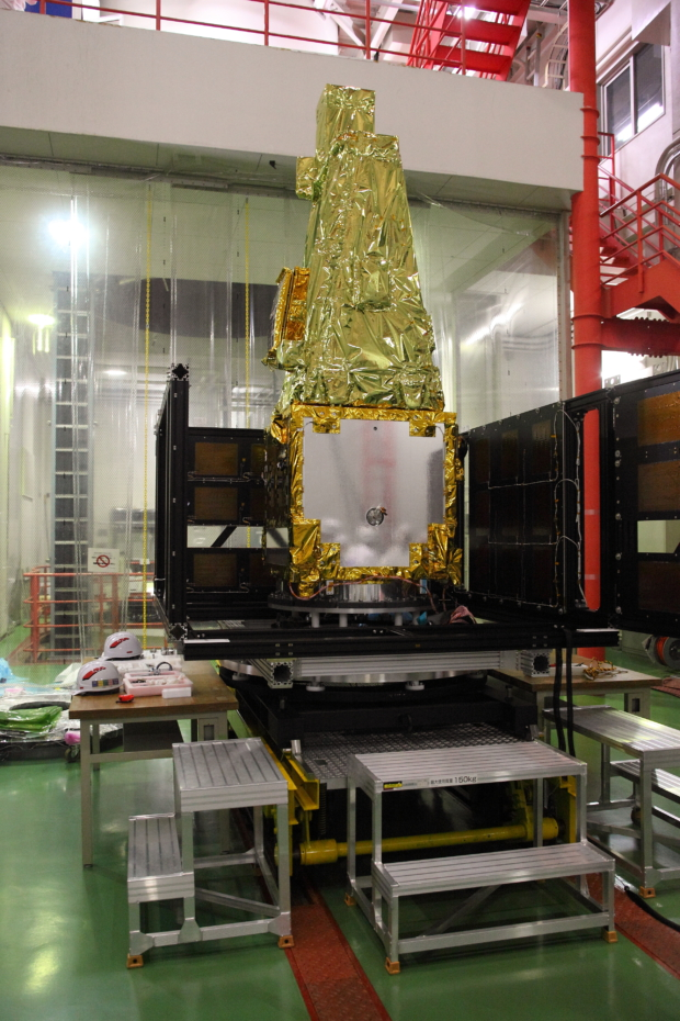 惑星分光観測衛星「SPRINT-A」真空試験の様子(10)