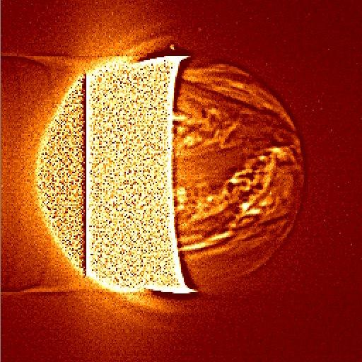 IR2 カメラによる金星夜面の画像